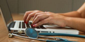 A telemedicina pode se transformar na solução para ampliar o acesso ao atendimento médico no Brasil